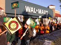 Walmart_aflcio_picket_1